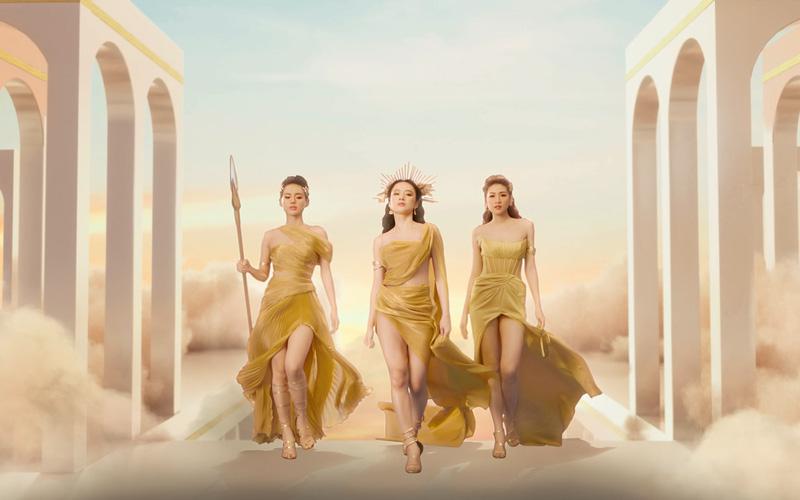 Cùng nhau sánh bước cực kỳ thần thái, cả 3 nàng ngọc nữ toát lên vẻ đẹp mê hoặc đầy quyến rũ